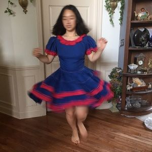Twirling Square Dance/ Prairie Dress